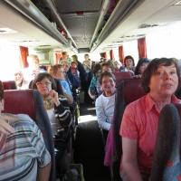 erschreckte LF im kaputten Bus auf der Autobahn